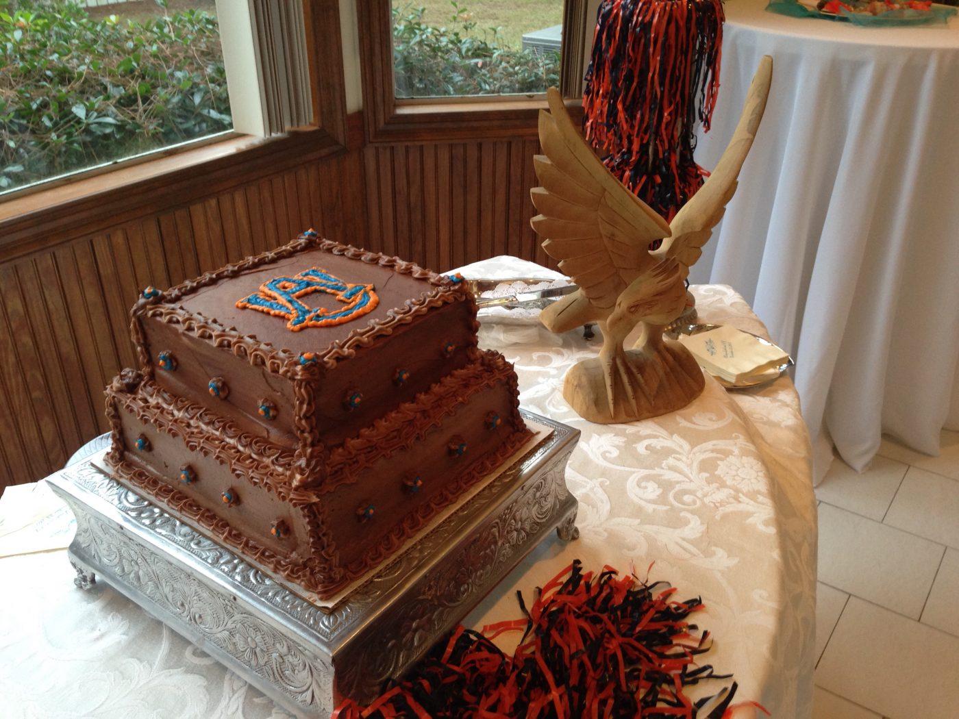 Auburn themed groom's cake