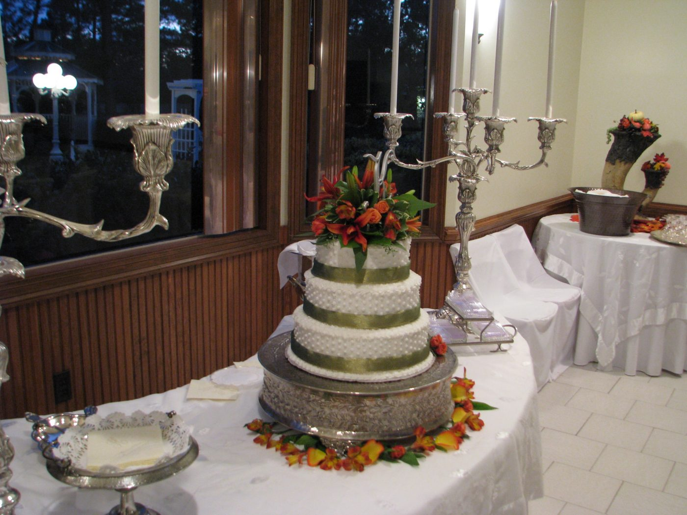 Fall Decorated Wedding Cake