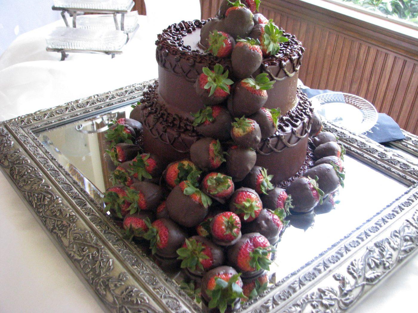 Wedding Chapel Groom's Cake